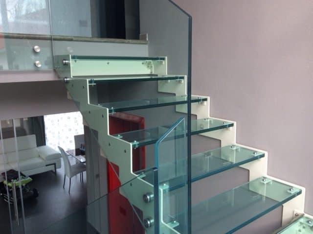 lavorazioni-ferro-matta-serramenti-scala-vetro